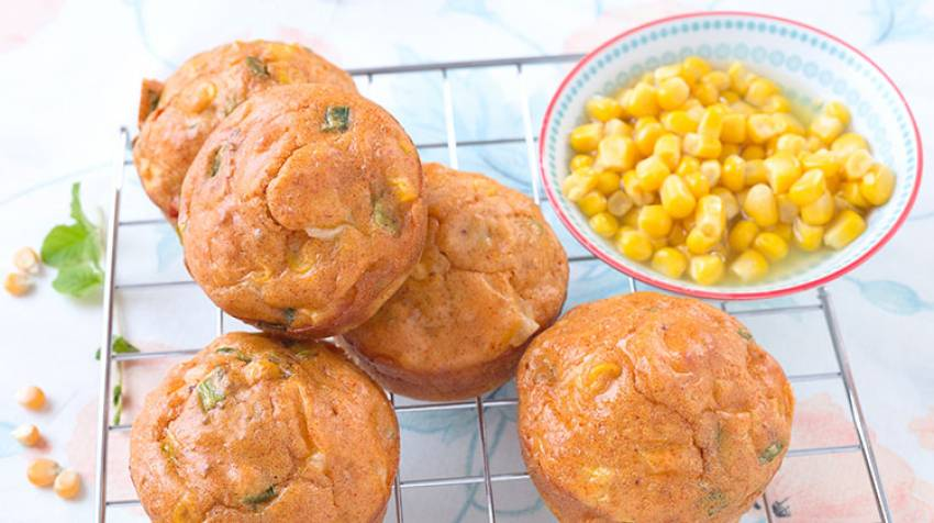 Muffins de maíz con queso cheddar
